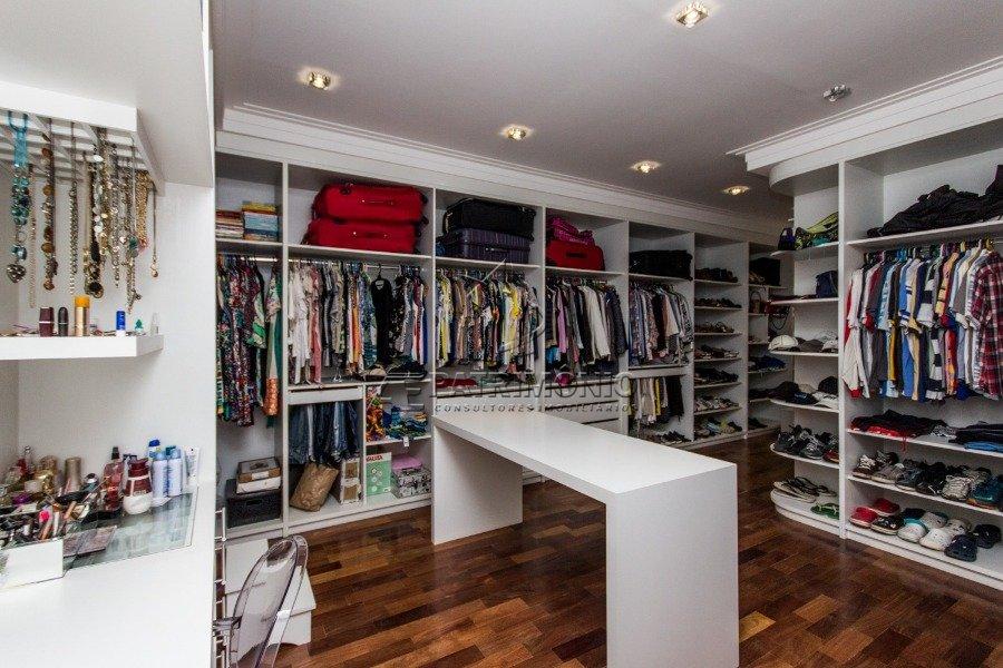 5 Closet (1)