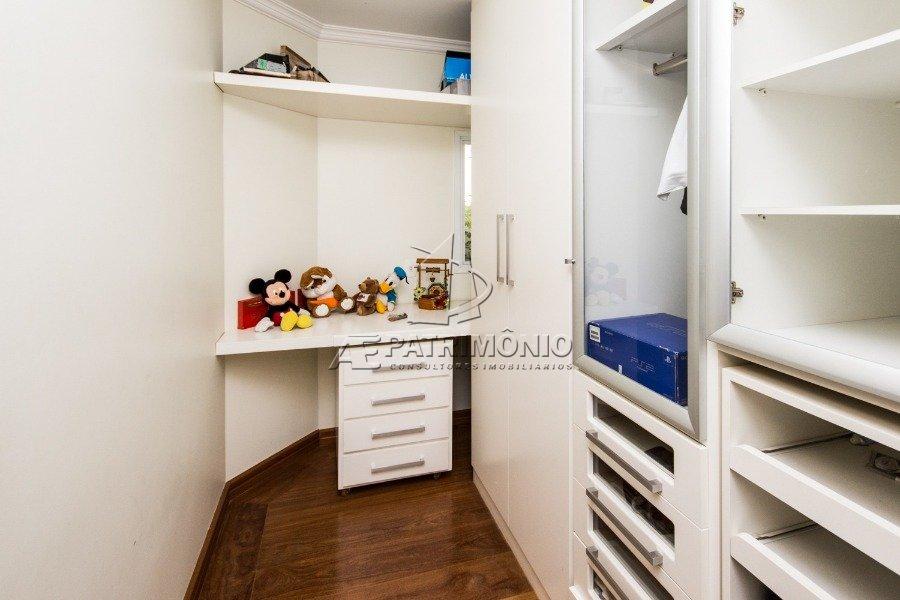 8 Closet