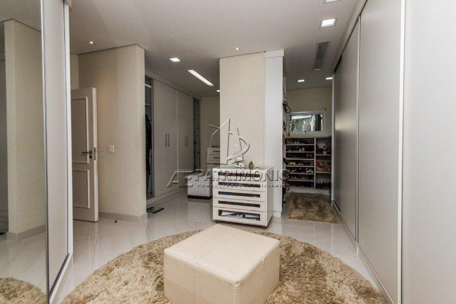 13 Closet (4)