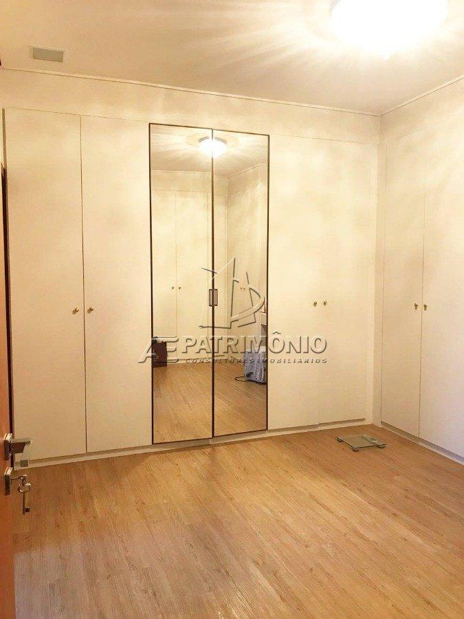 8 Closet (1)